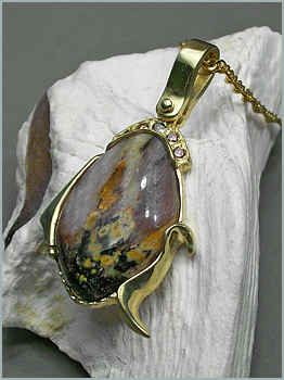 Montana Opalwood Pendant in 18K Green Gold with Brown Diamonds