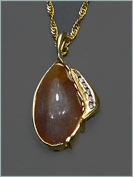 Montana Opalwood Pendant in 18K Yellow Gold With Diamonds