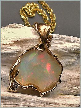 Ethiopian White Opal in Yellow Gold